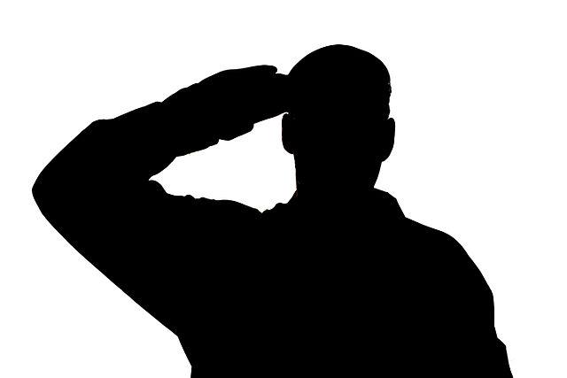 640px-British_Army_Soldier_Saluting_MOD_45154892.jpg